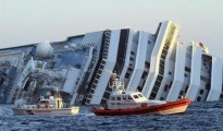 nave-costa-concordia-mentre-affonda_DWN